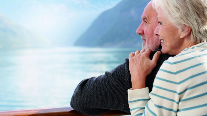 loving-couple-on-cruise-ship